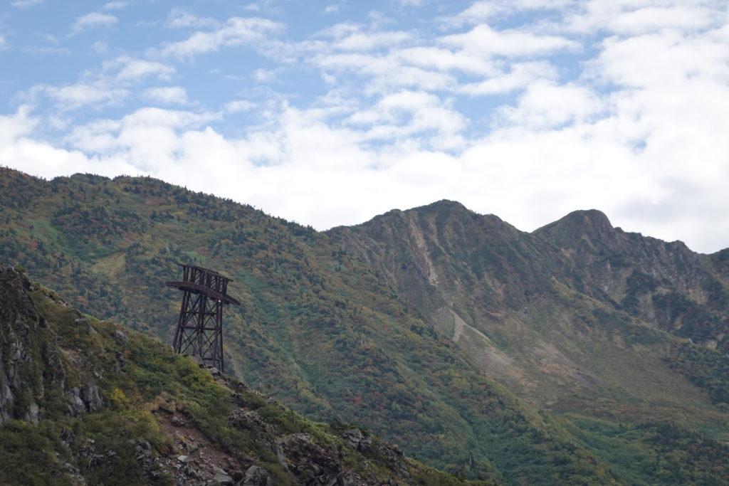 白山・甚之助谷上の鉄塔