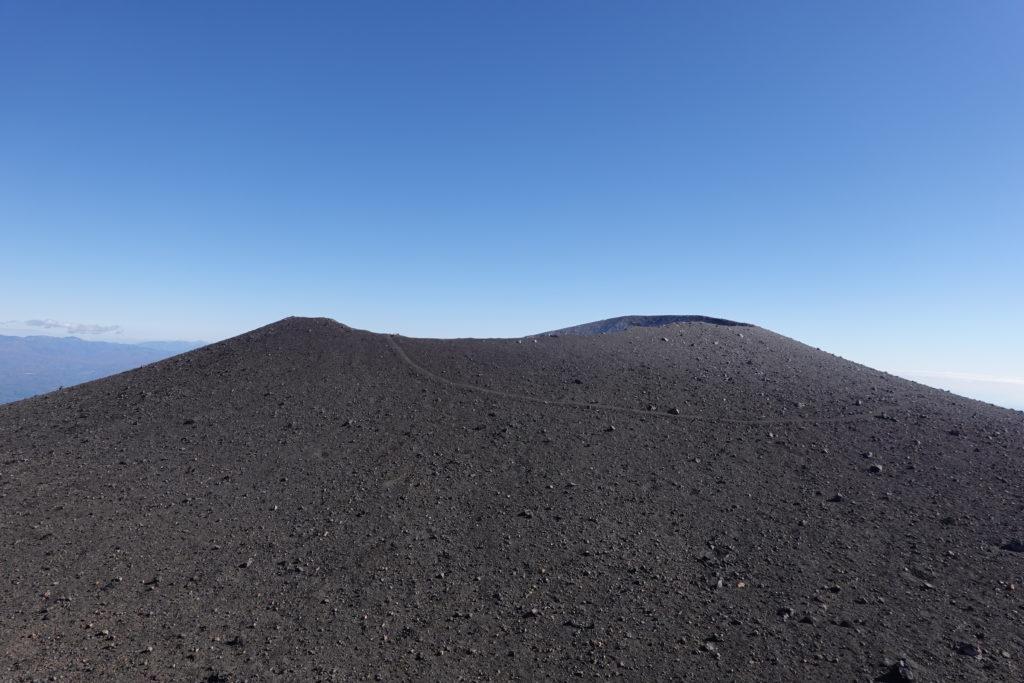 浅間山(前掛山)・前掛山山頂から見た釜山