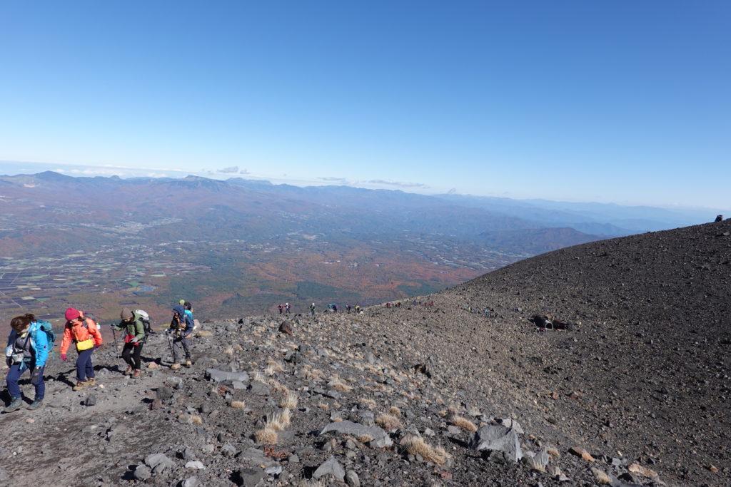 浅間山(前掛山)・前掛山山頂からシェルターへ
