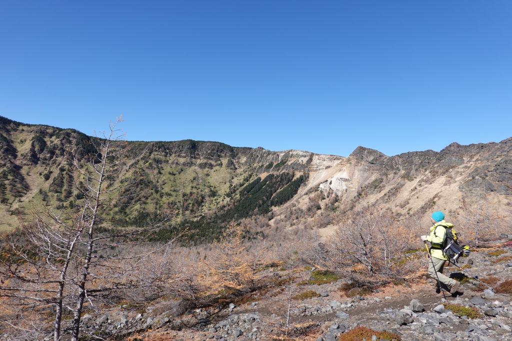 浅間山(前掛山)・下から見上げた浅間山外輪山