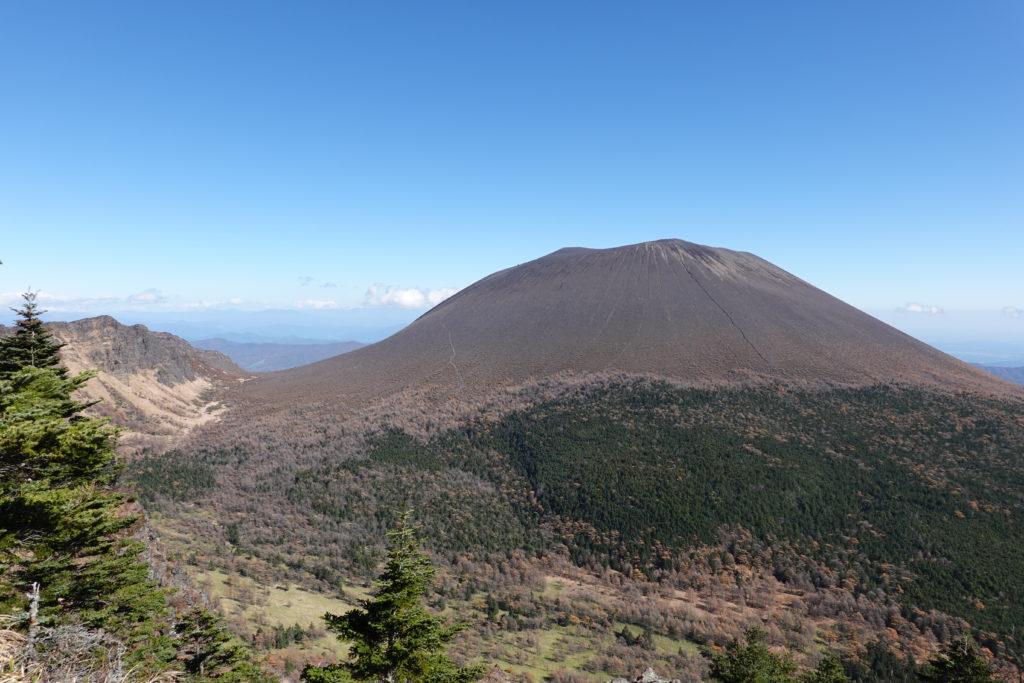 浅間山(前掛山)・トーミの頭からの浅間山