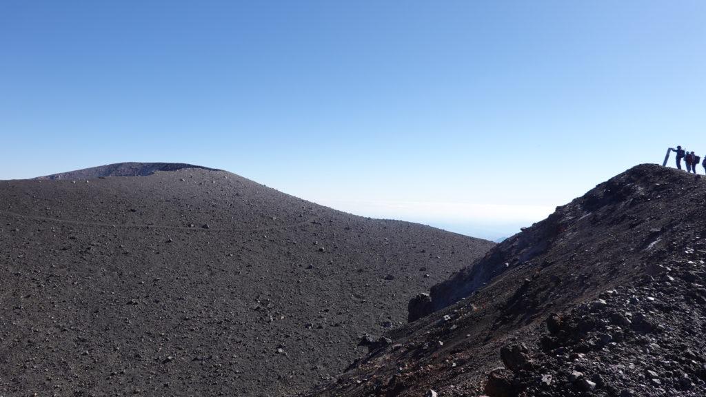 浅間山(前掛山)・前掛山山頂から釜山を望む