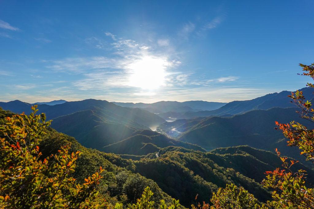 越後駒ヶ岳(魚沼駒ヶ岳)・明神峠近辺からの奥只見湖
