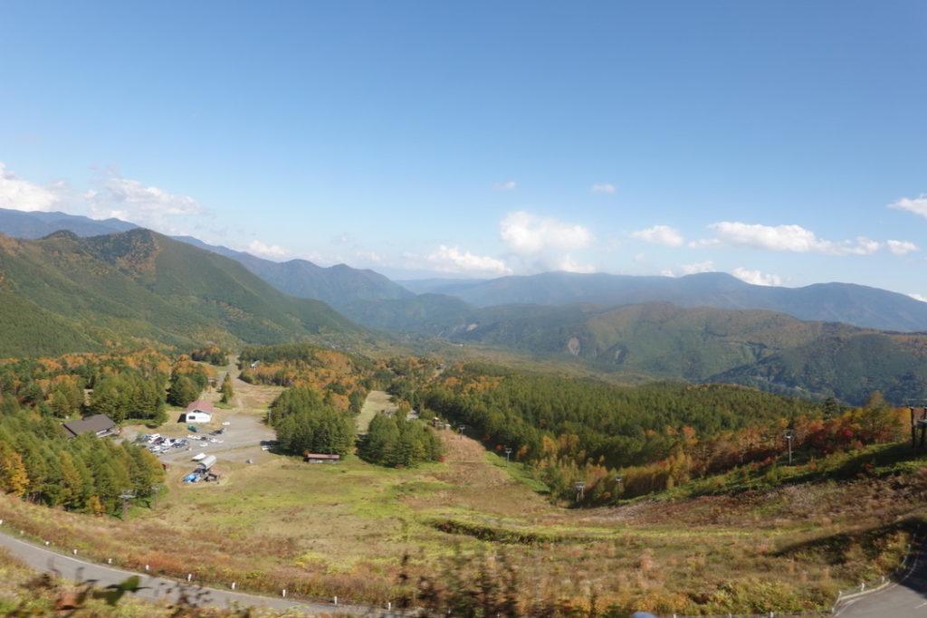 乗鞍岳・シャトルバスからの三本滝レストハウス