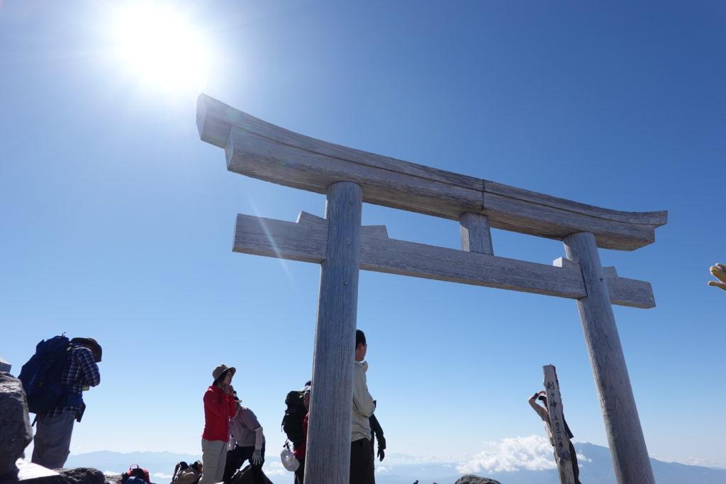 乗鞍岳・剣ヶ峰山頂の鳥居