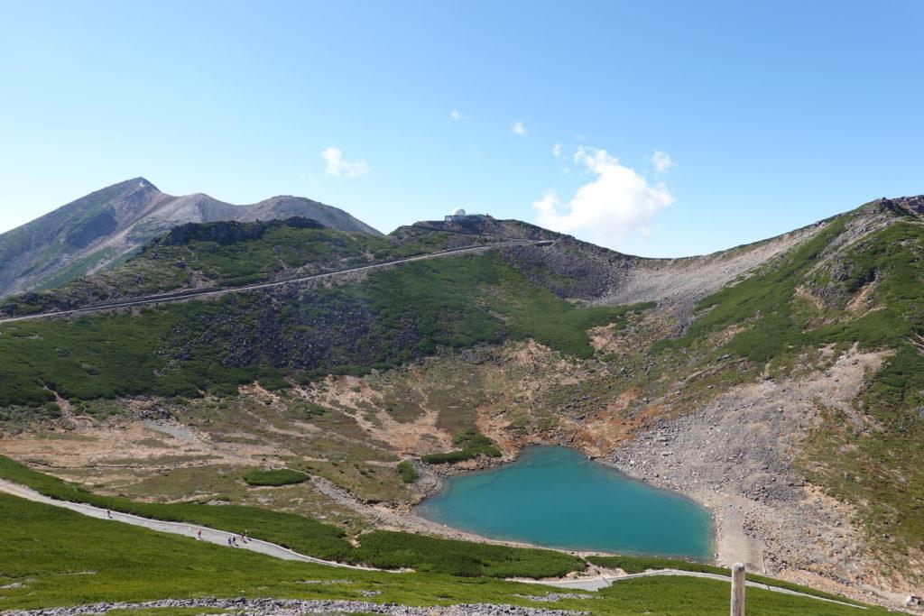 乗鞍岳・富士見岳からの不消ヶ池、摩利支天岳、剣ヶ峰