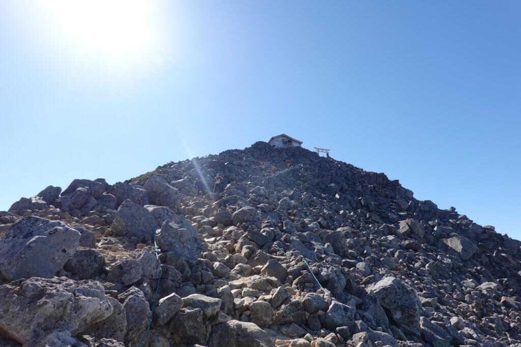 乗鞍岳・剣ヶ峰山頂まであと少し