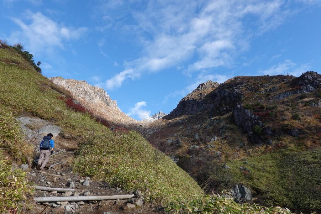 焼岳・紅葉の新中の湯ルート・広場から焼岳北峰へ・その4