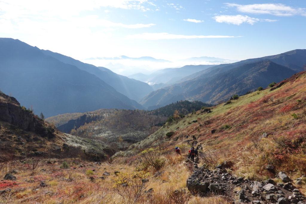 焼岳・紅葉の新中の湯ルート・広場から焼岳北峰へ・その5