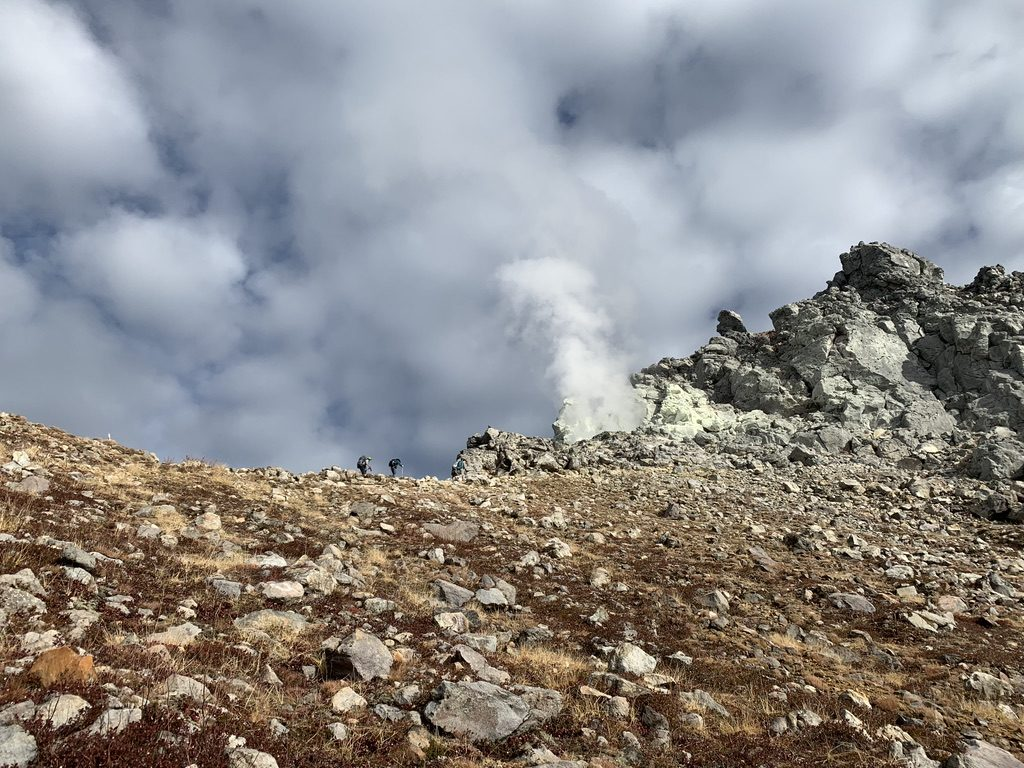 焼岳・紅葉の新中の湯ルート・焼岳・北峰