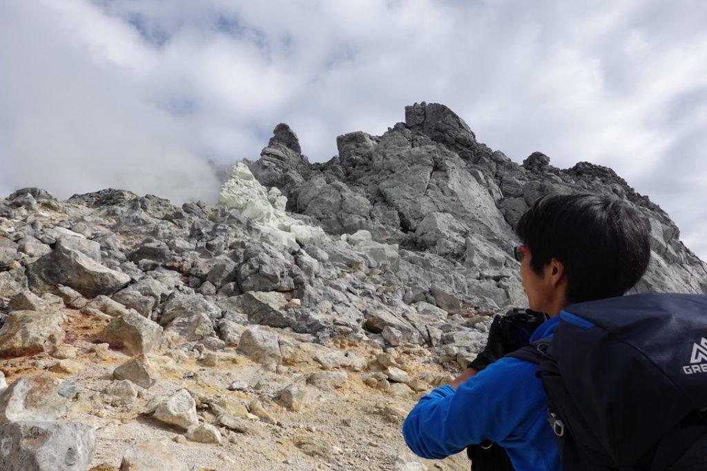 焼岳・北峰山頂へ