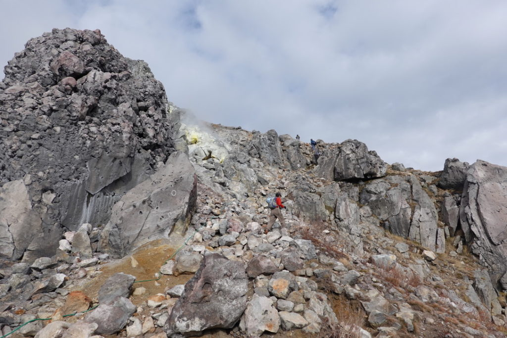 焼岳・北峰(上高地側から)
