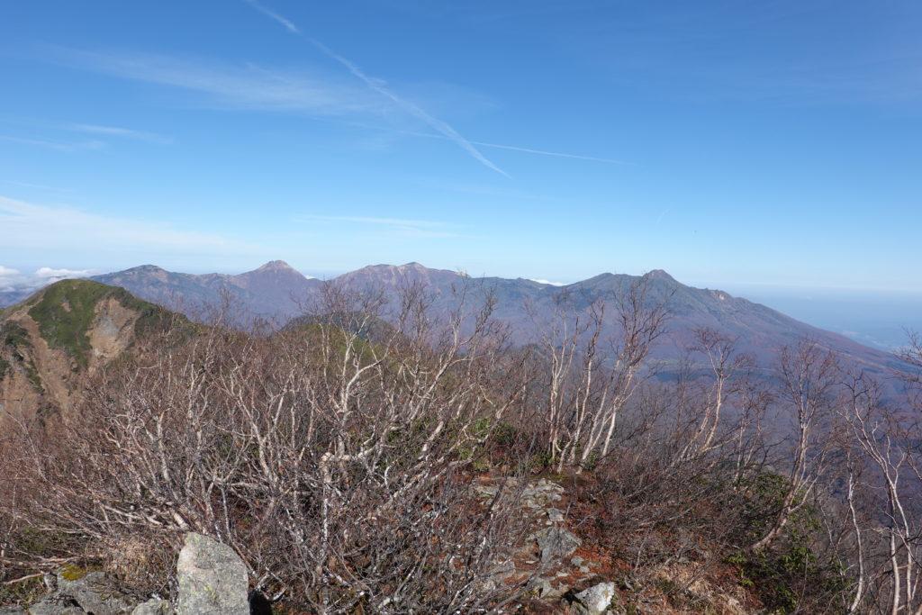 高妻山・戸隠山・高妻山山頂からの乙妻山、焼山、火打山、妙高山