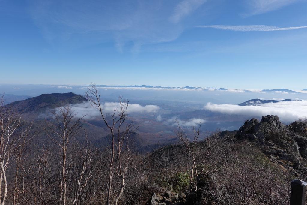 高妻山・戸隠山・高妻山山頂からの黒姫山と飯縄山