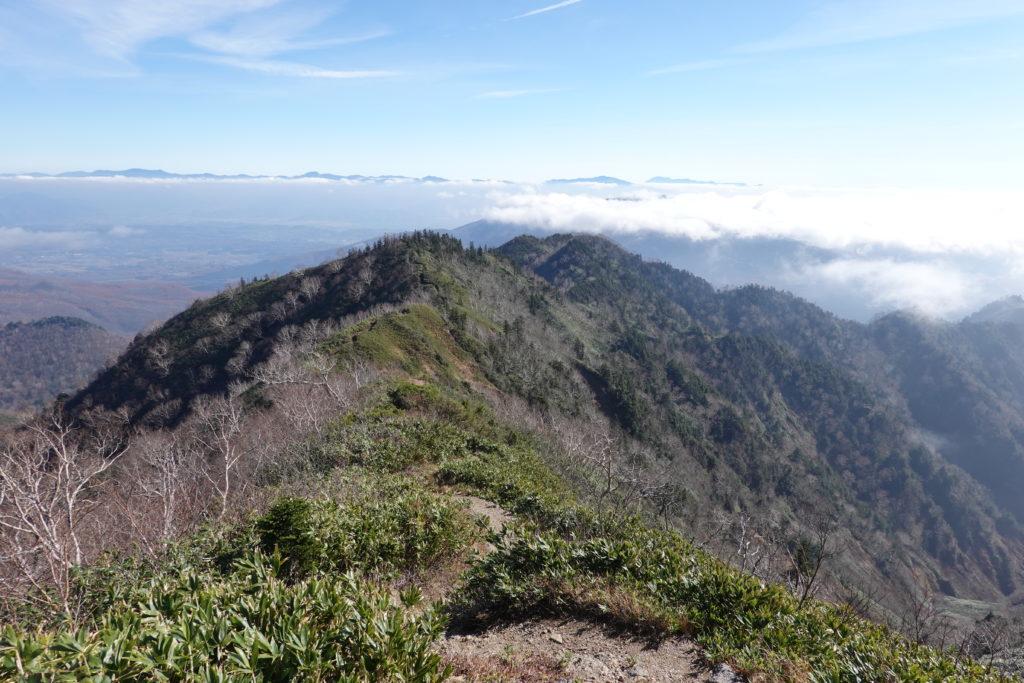 高妻山・戸隠山・高妻山から戸隠山へと続く稜線