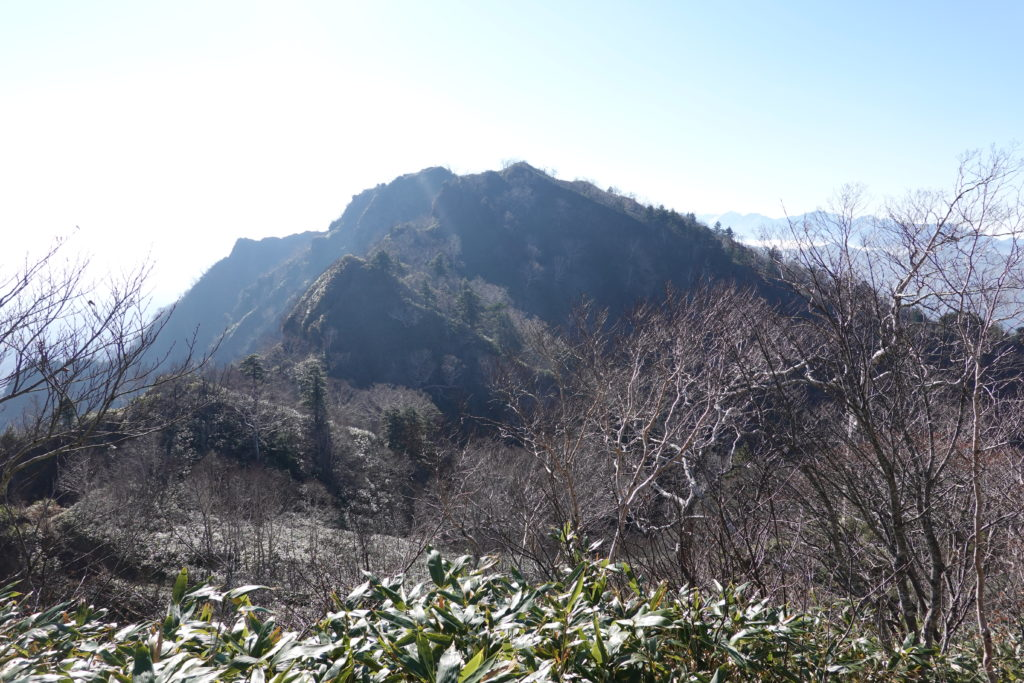 高妻山・戸隠山・戸隠山へと続く稜線