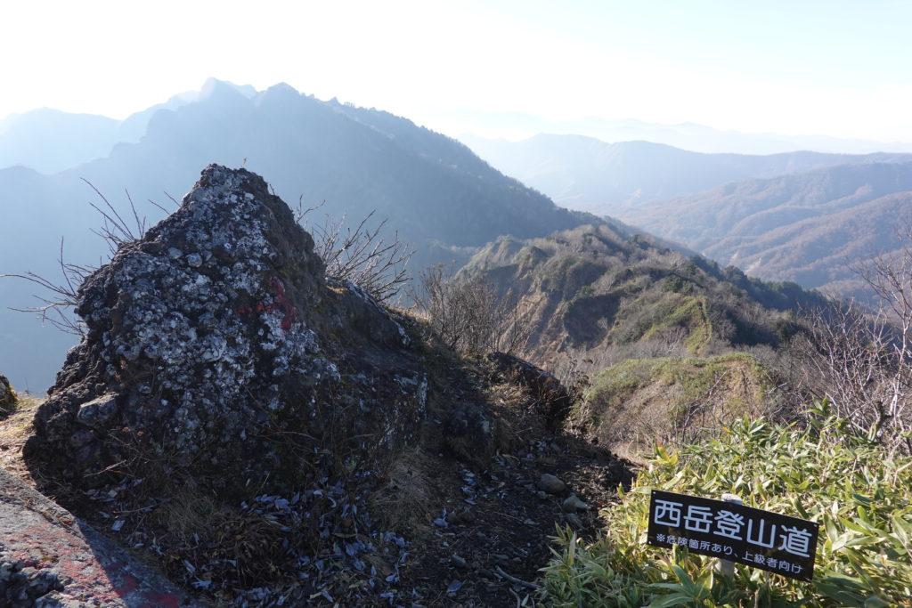高妻山・戸隠山・八方睨から本院岳、西岳を望む