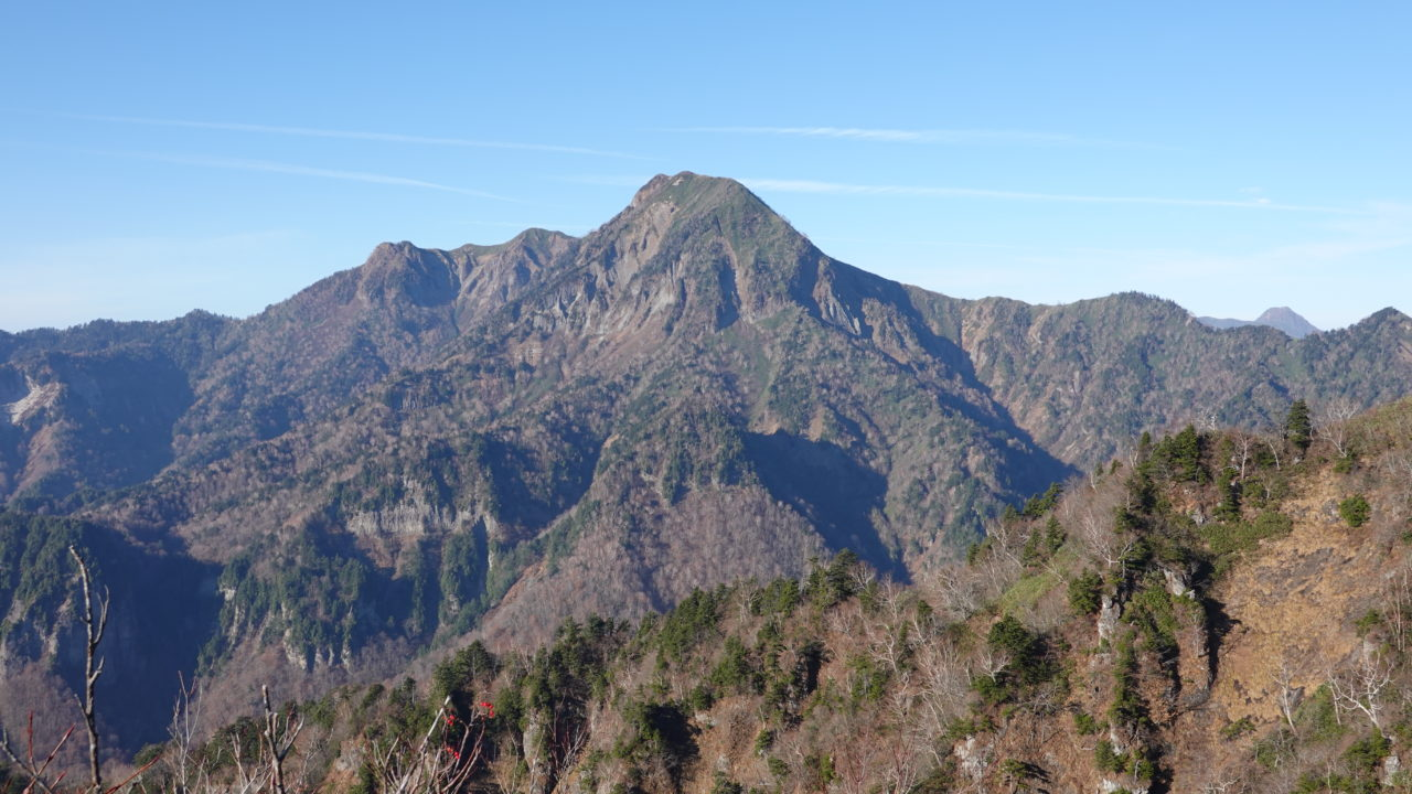 戸隠山からの高妻山