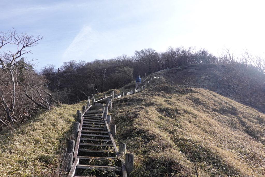 蛭ヶ岳・蛭ヶ岳へと続く木道・一歩一歩確実に