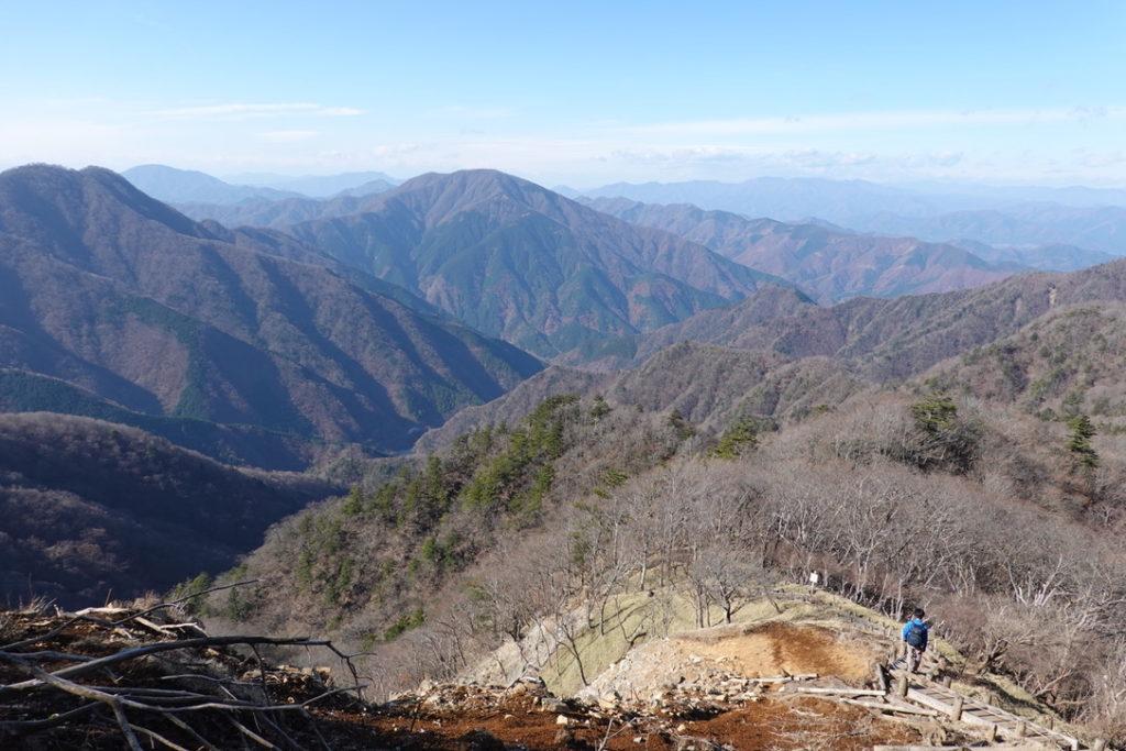 蛭ヶ岳・蛭ヶ岳山頂からの下山中の展望