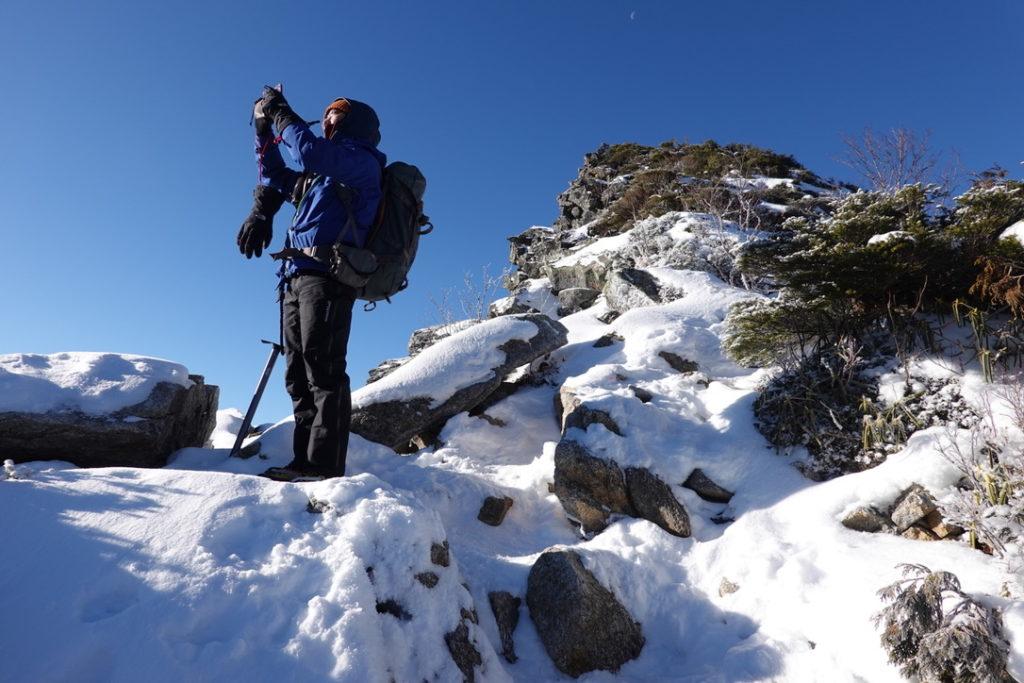 金峰山・金峰山の稜線から写真を撮るhiroone