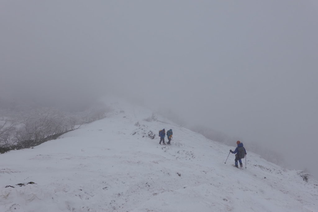 積雪期・日光白根山・撤退開始