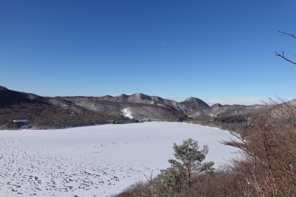 厳冬期・赤城山(黒檜山・駒ヶ岳)・黒檜山からの大沼2