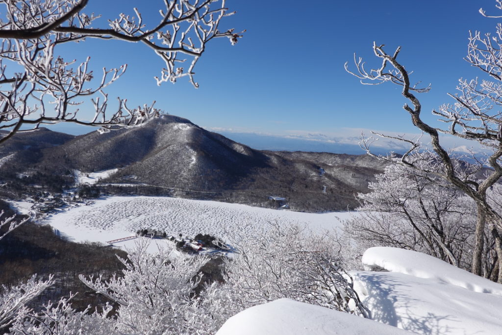 厳冬期・赤城山(黒檜山・駒ヶ岳)・アンテナ山の左どなりに富士山