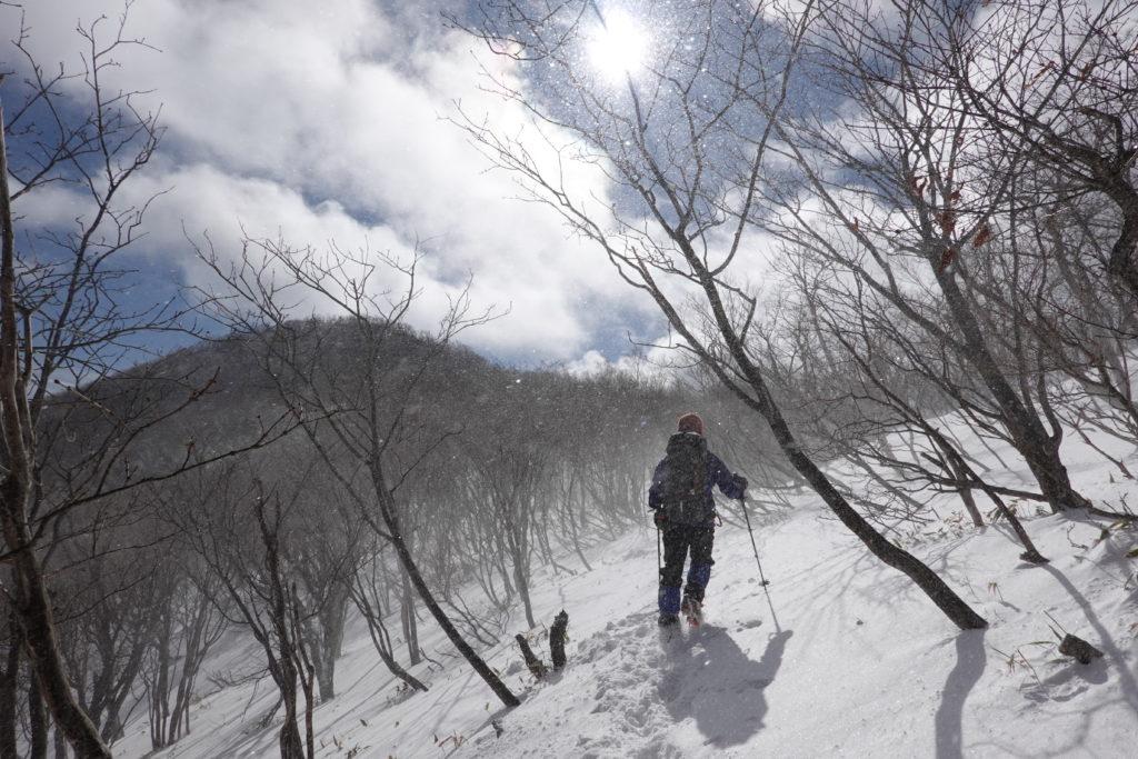 厳冬期・赤城山(黒檜山・駒ヶ岳)・吹雪いている中、駒ヶ岳山頂へ