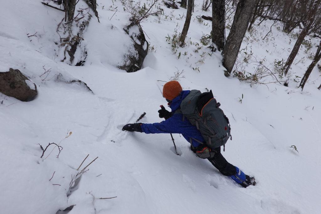 厳冬期・赤城山(黒檜山・駒ヶ岳)・鉄の階段・ストックを落とす