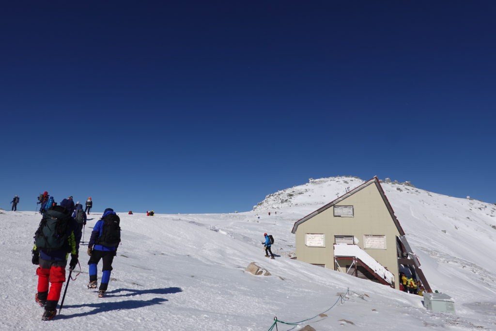 厳冬期・木曽駒ヶ岳・中岳へ向かう