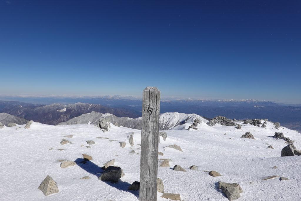 厳冬期・木曽駒ヶ岳・木曽駒ヶ岳山頂標識
