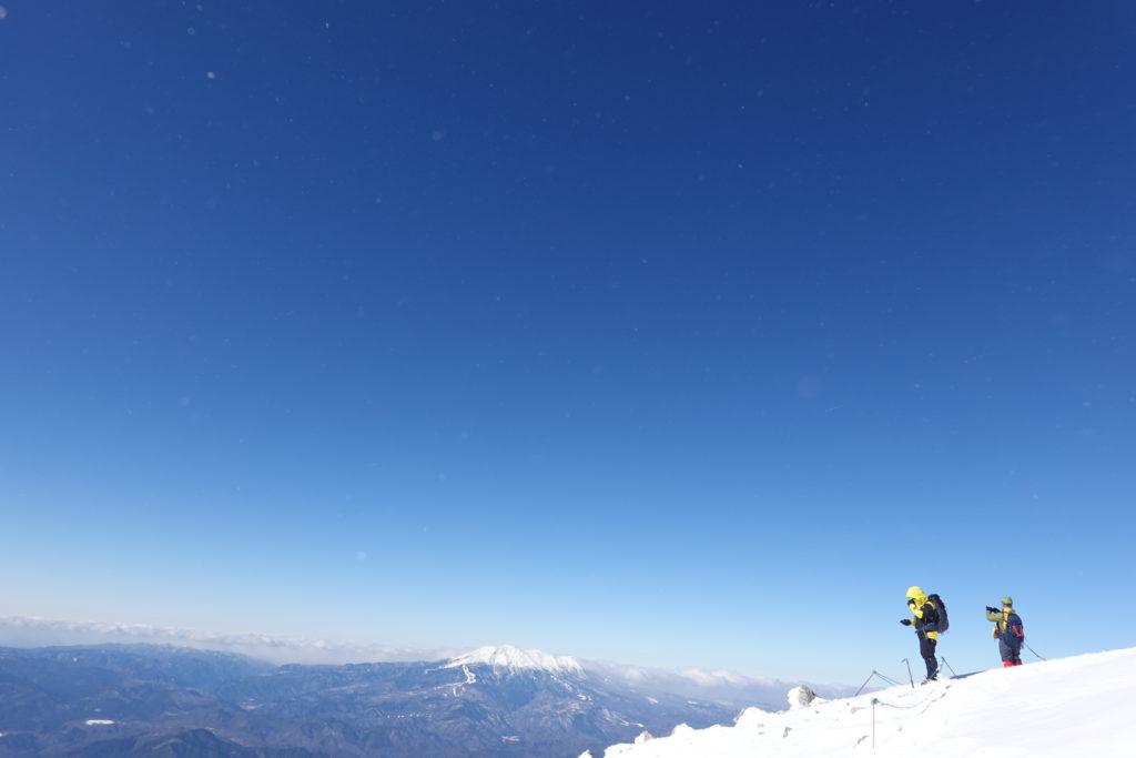 厳冬期・木曽駒ヶ岳・木曽駒ヶ岳山頂からの御嶽山
