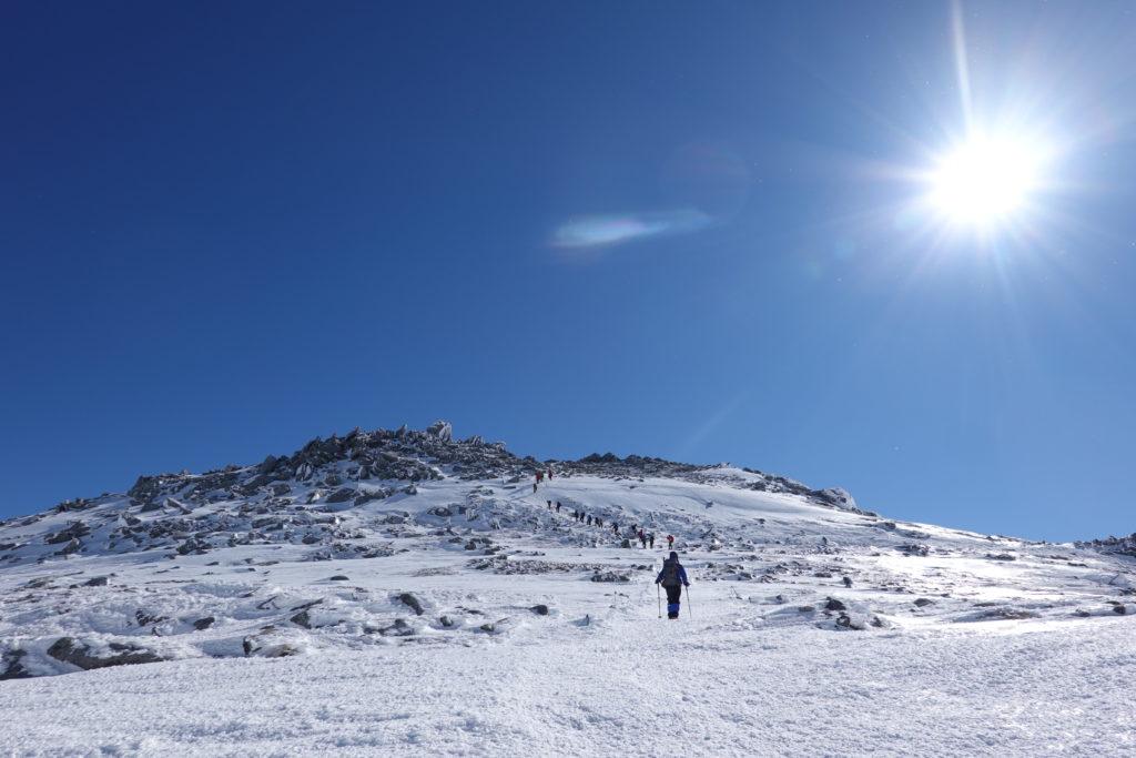 厳冬期・木曽駒ヶ岳・中岳、最後の登り