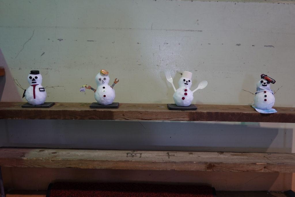 厳冬期・谷川岳・ロープウェイ天神平駅の雪だるま