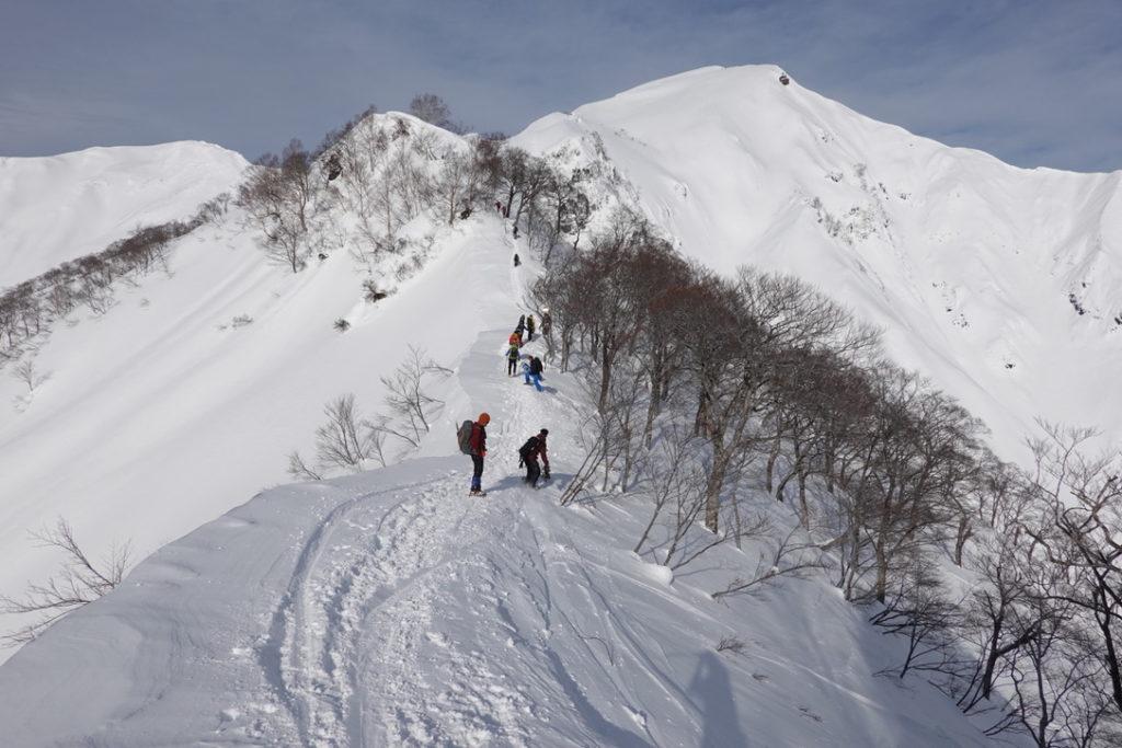 厳冬期・谷川岳・熊穴沢避難小屋へ・BCの人ほんとにすごい