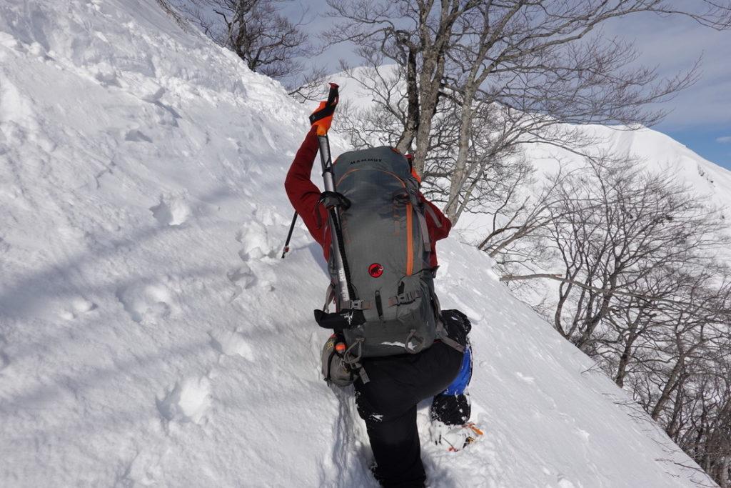 厳冬期・谷川岳・熊穴沢ノ頭トラバース中