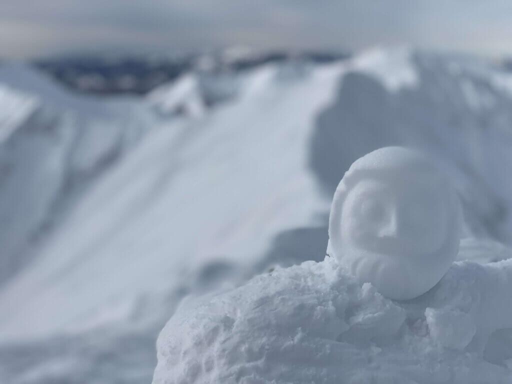 厳冬期・谷川岳・肩ノ小屋と雪だるま