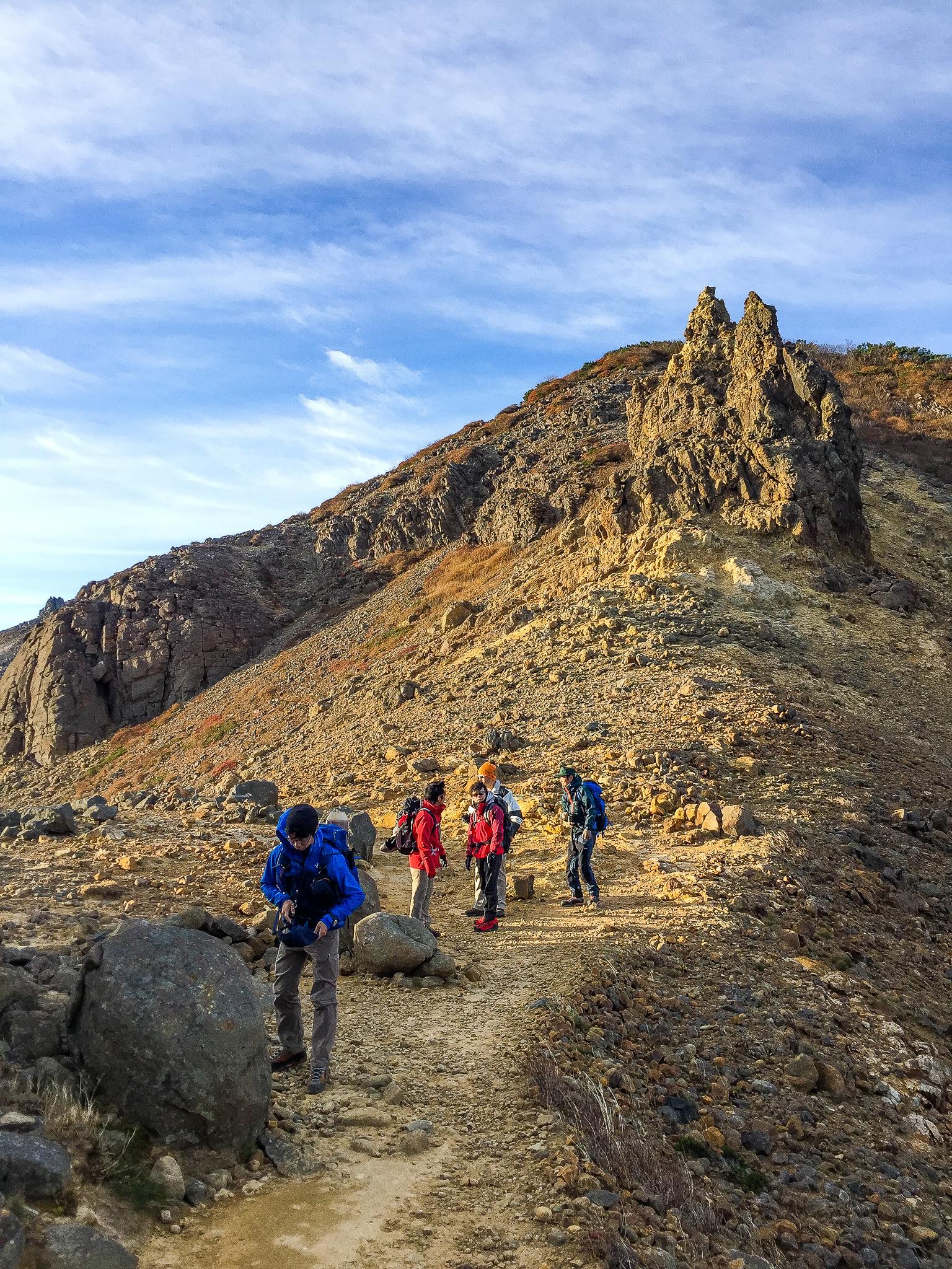 那須岳・尖った岩が印象的な剣ヶ峰