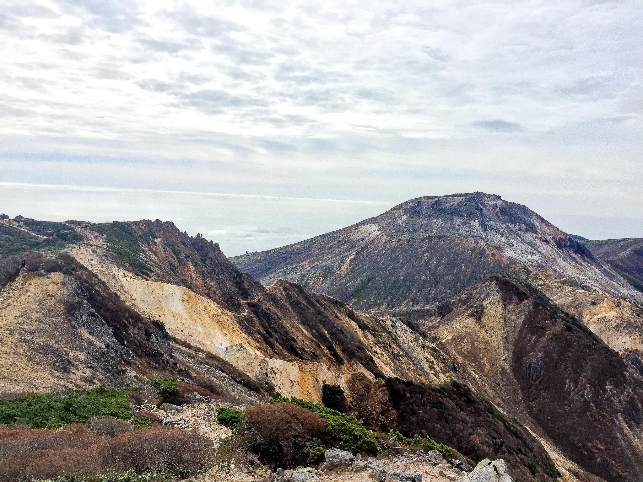 那須岳・朝日の肩からの茶臼岳