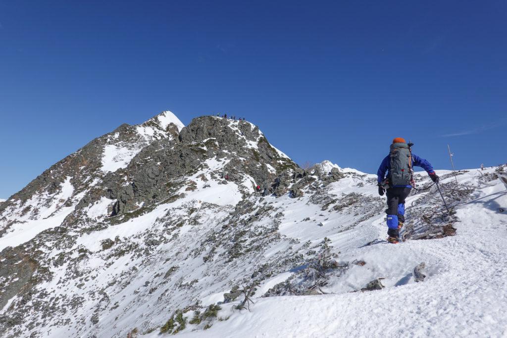 厳冬期・西穂高岳・西穂独標・雪が少ない