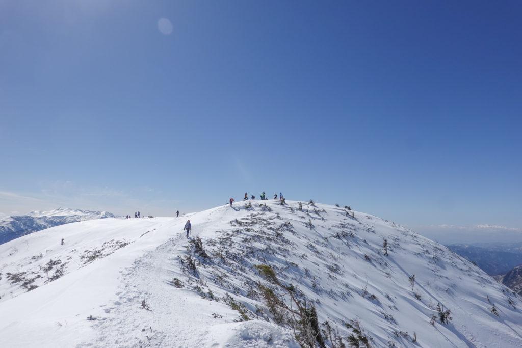 厳冬期・西穂高岳・西穂独標・お尻のような西穂丸山