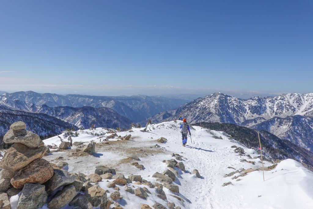 厳冬期・西穂高岳・西穂独標・西穂山荘へ下山