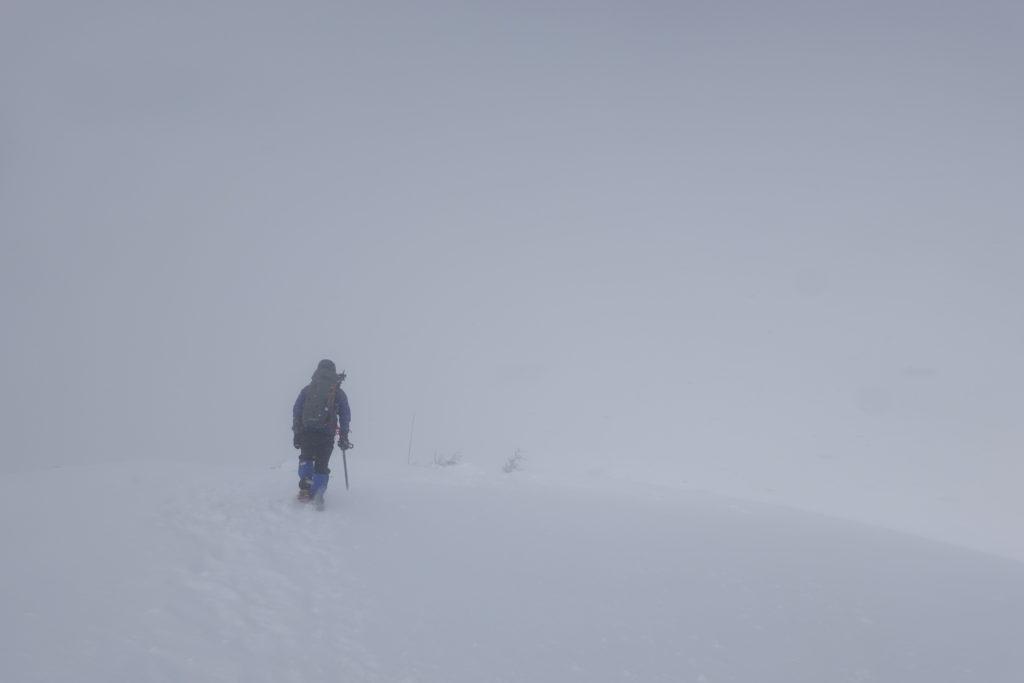 厳冬期・西穂丸山・丸山へ・ホワイトアウト