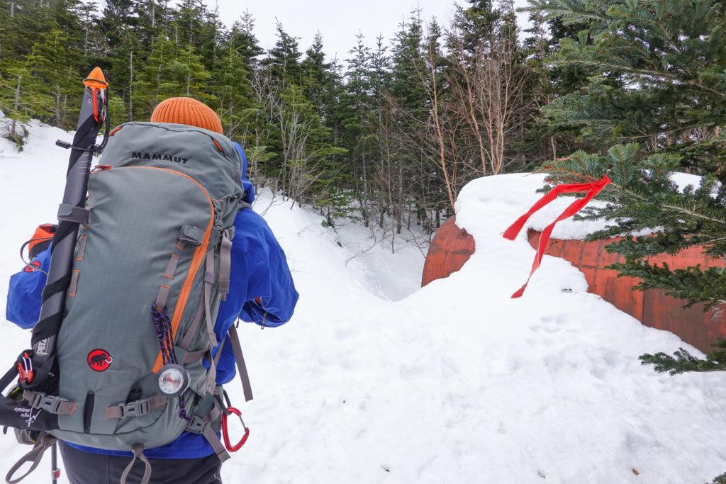 残雪期・浅間山・避難小屋