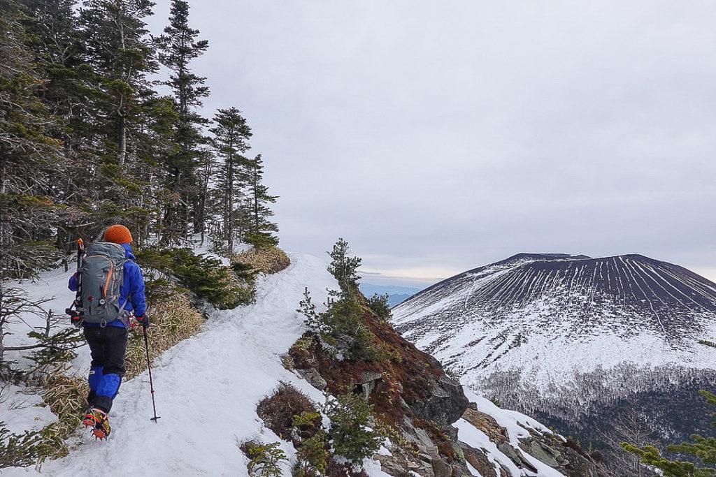 残雪期・浅間山・黒斑山から蛇骨岳へ