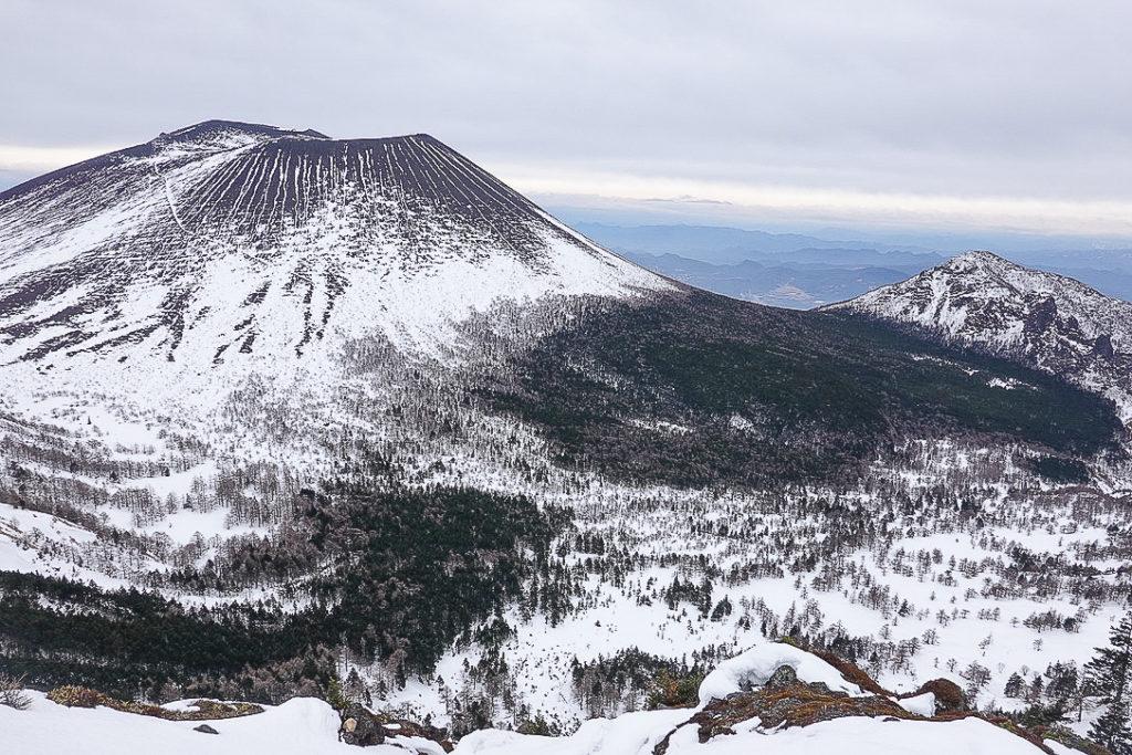 残雪期・浅間山・ガトーショコラ?浅間山
