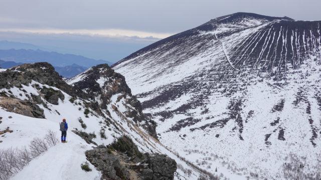 残雪期・浅間山・外輪山からの前掛山