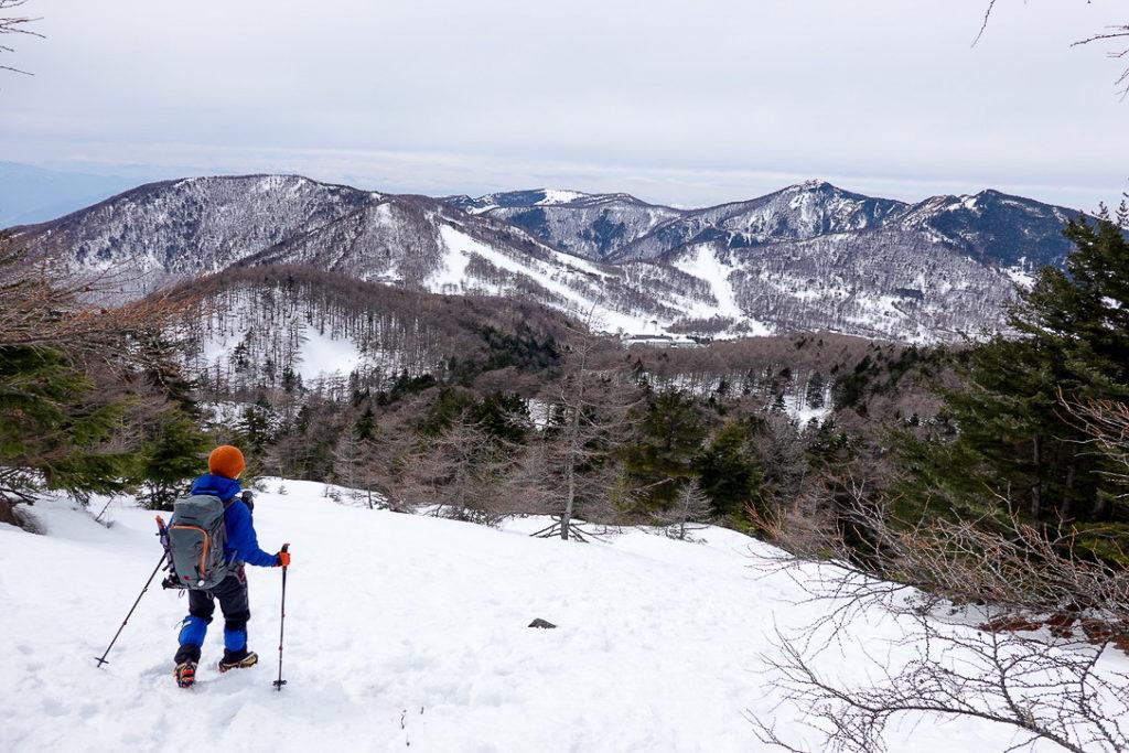 残雪期・浅間山・車坂峠へ下山中