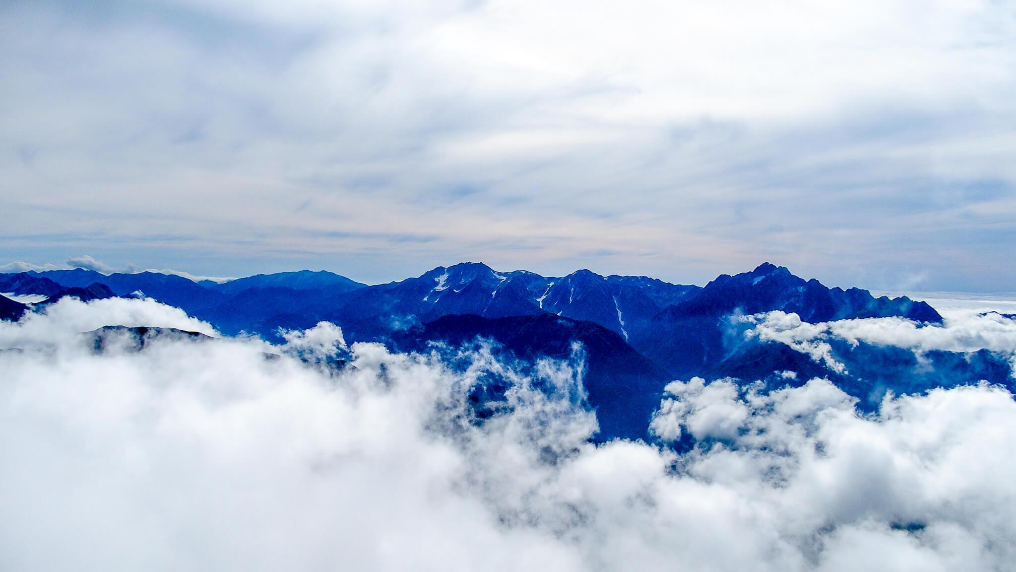 五竜岳からの山頂景色